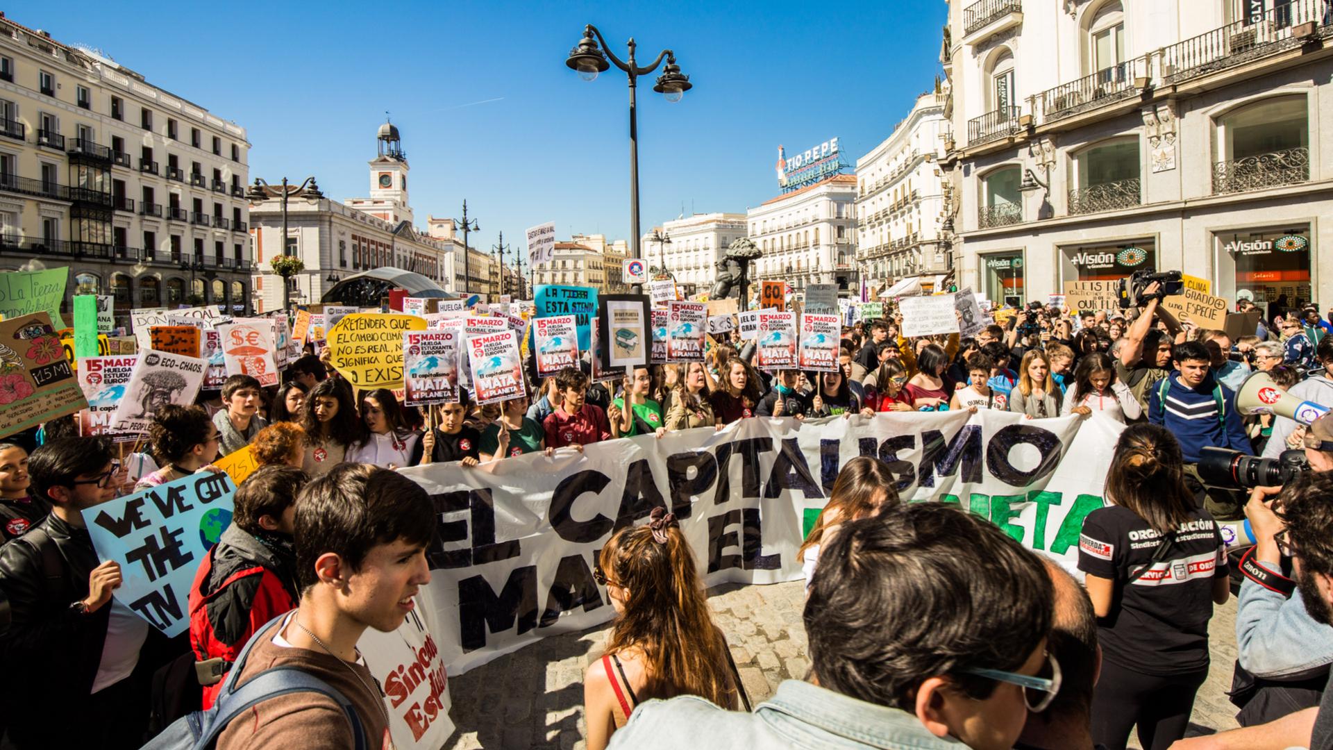 15M: huelga de estudiantes contra el cambio climático en la Puerta del Sol, Madrid