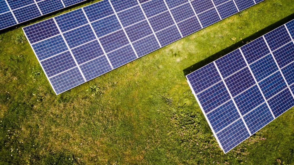 El empleo en energías renovables crece en 2018
