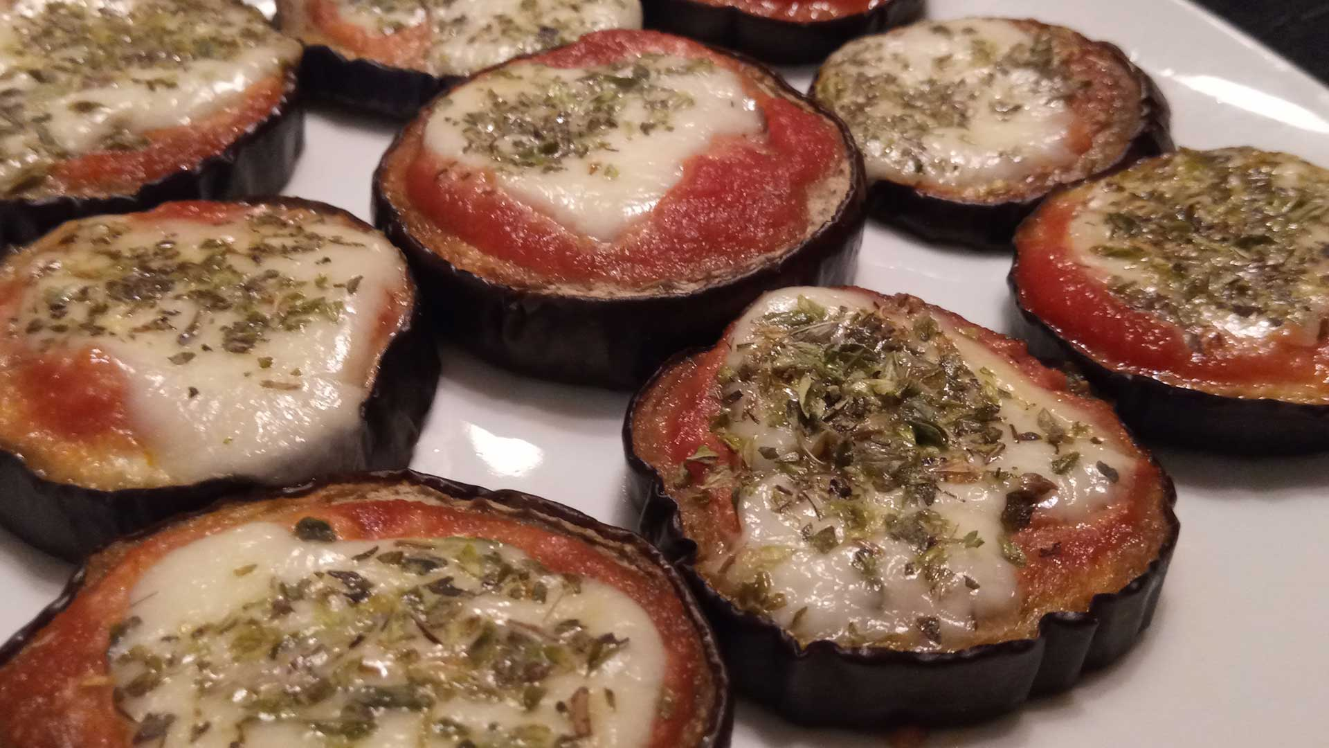mini pizzes d'albergínia
